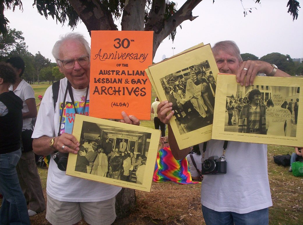 Ken Lovett and Mannie De Saxe in the Australian Lesbian and Gay Archives' contingent, Pride March, Melbourne, Vic, 2008