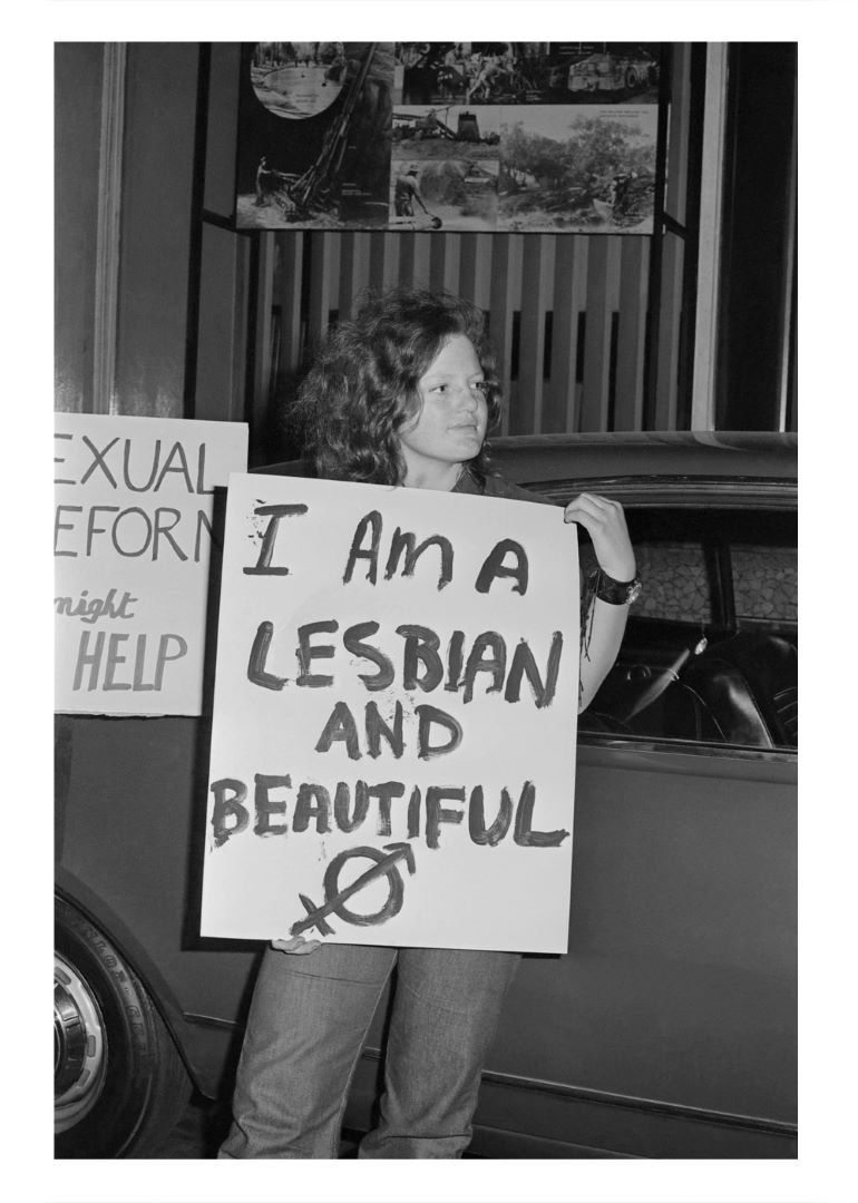 Mim Loftus with a placard 'I am a lesbian and beautiful', Sydney, 8 Oct 1971, Phillip Potter Collection (Photo: Phillip Potter)